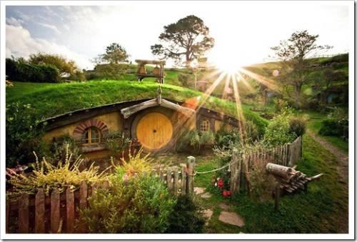 Дом под землей: кто сказал, что землянка не может быть комфортной для проживания?