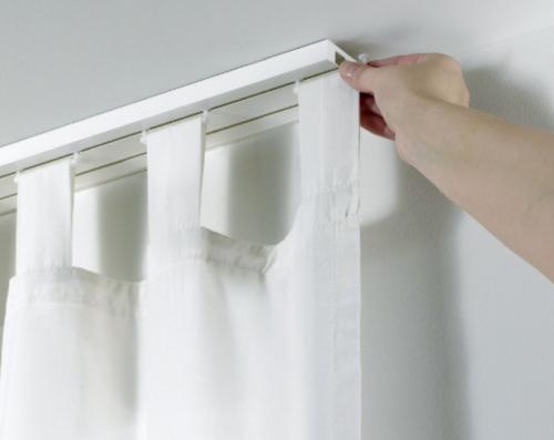 Как правильно повесить шторы на потолочный карниз